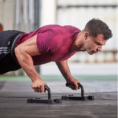allenamento con le push up bars
