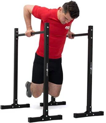 allenare tutto il corpo con le barre parallele per calisthenics