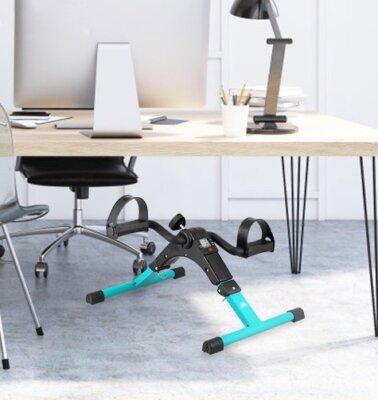 allenarsi con una mini cyclette anche in ufficio