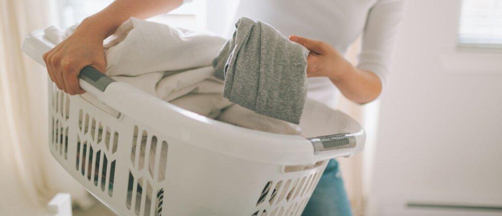 bucato con lavatrice hotpoint