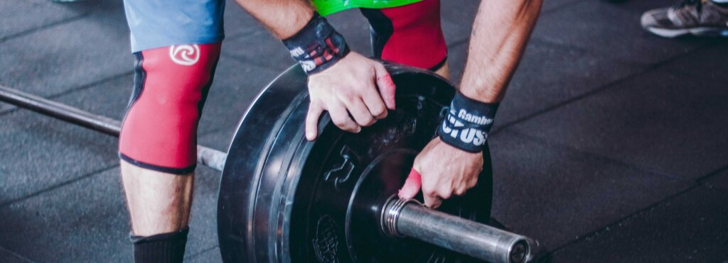 ginocchiere per crossfit e powerlifting