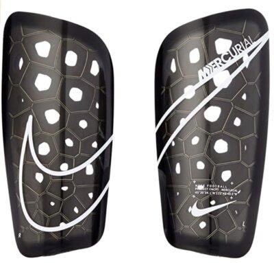 Nike - Migliori parastinchi per schiuma traforata