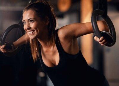 workout con anelli da ginnastica